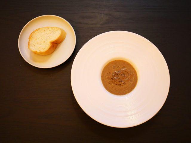 〈スープ〉十勝マッシュルームのポタージュスープ トリュフの香り