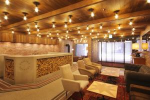 1F Lobby