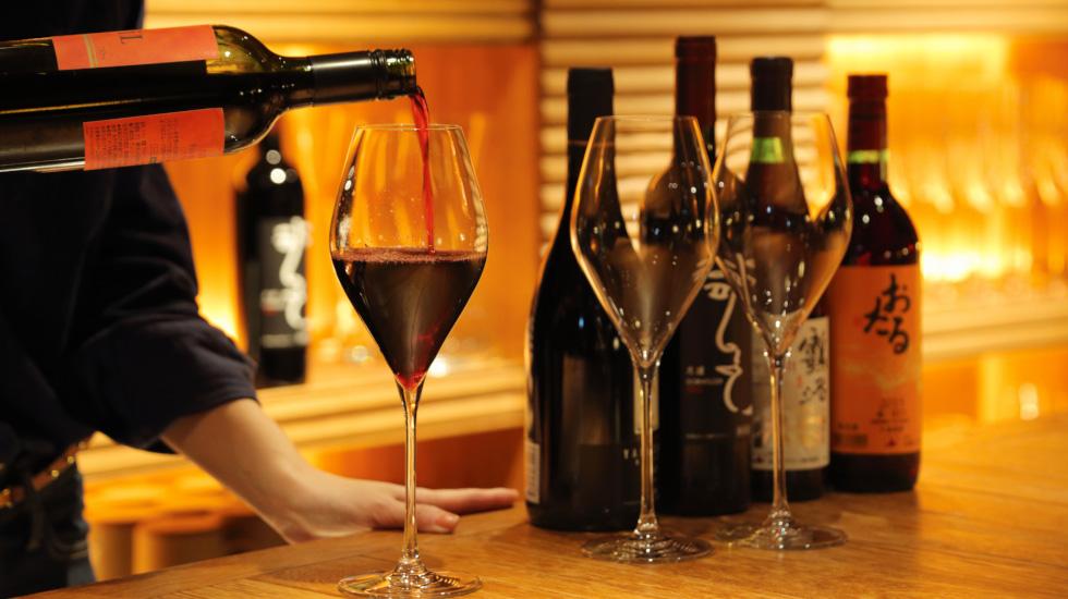 夕刻のワインサービス